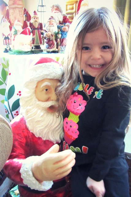 amelie belle and santa