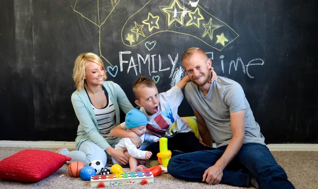 Tara and her family in Kai's room