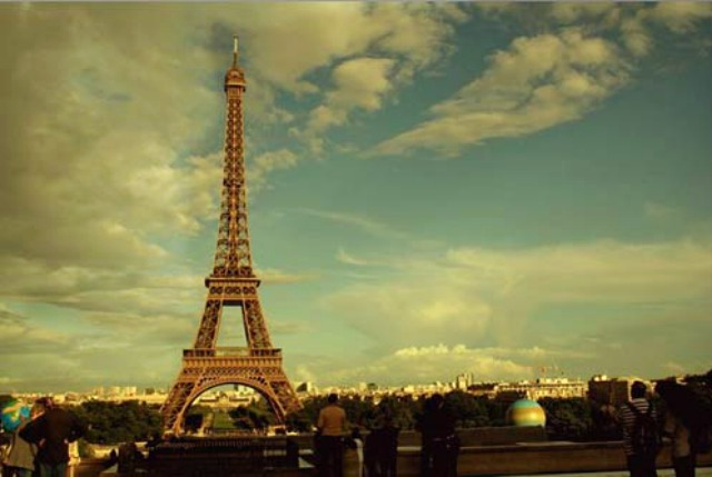 the eiffel tower in paris