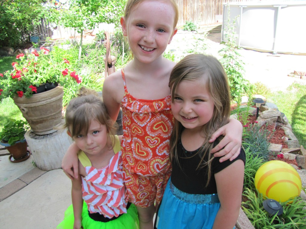 amelie belle, guini and averi