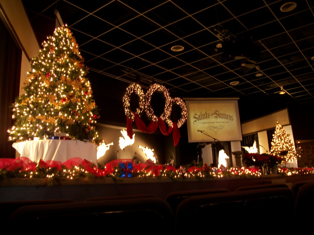 northern hills church christmas decor