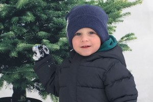 kai throwing snow at nonna